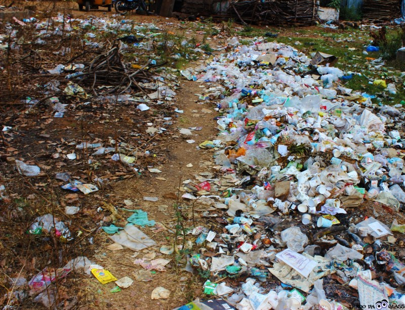 U,ugly,dirty,trash,refuse,environment,surroundings,kolli hills,tamil nadu,a-z,a2z, a2z challenge,pravs,praveen,throo da looking glass, through the looking glass, bangalore blog, praveen