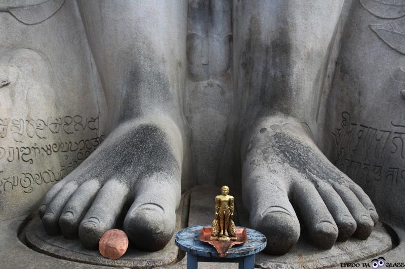 Y,Shravanabelagola, insignificance, man, Gomteshwar, Gigantic, god, leg, karnataka, travel,wednesday,abc,wordless,praveen,karnataka,bangalore,throo da looking glass